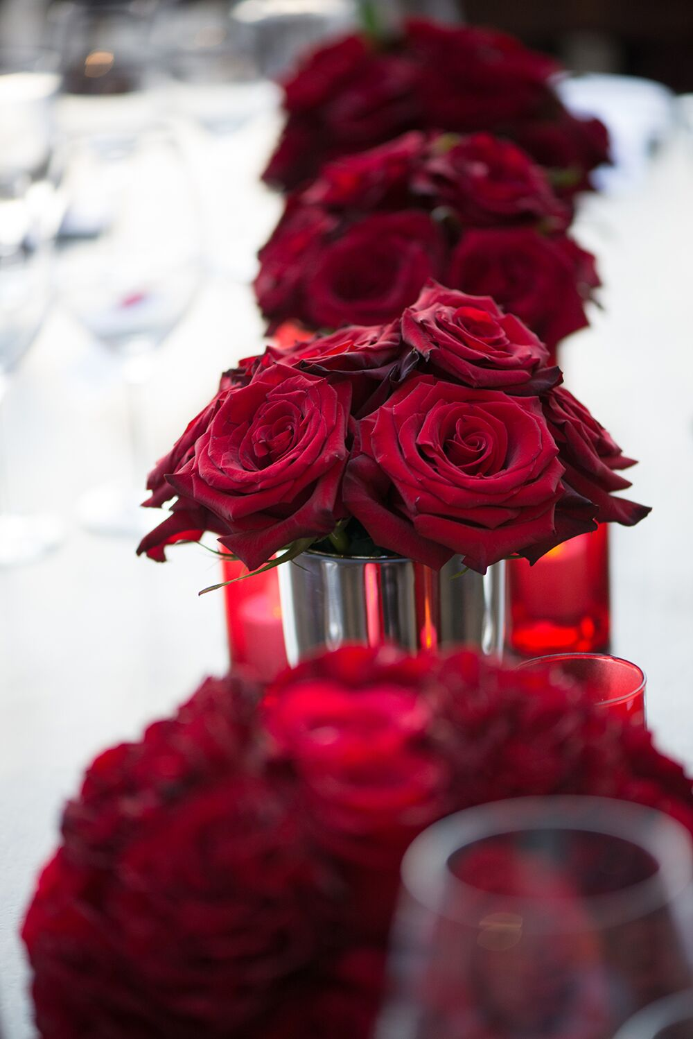 Red rose table flowers