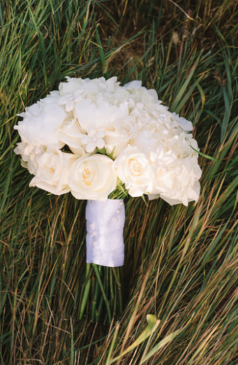 White Bridal Bouquet.png