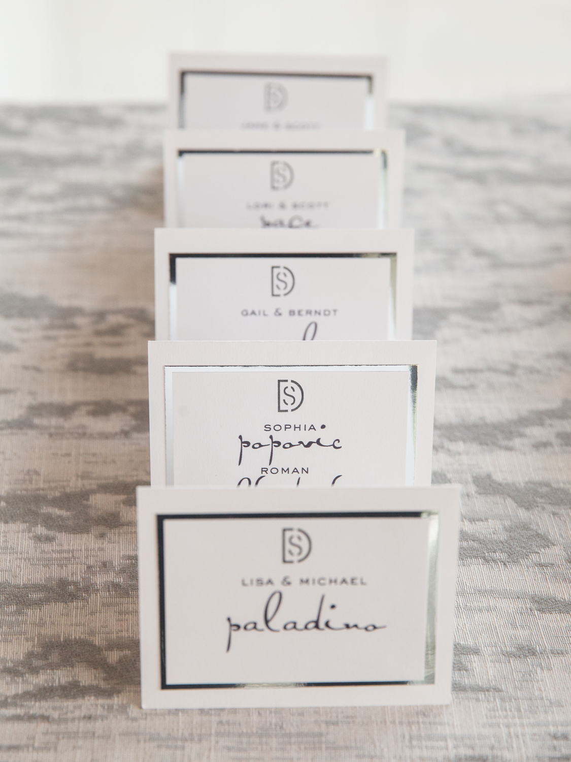 1359_White and Silver Placecards.jpg