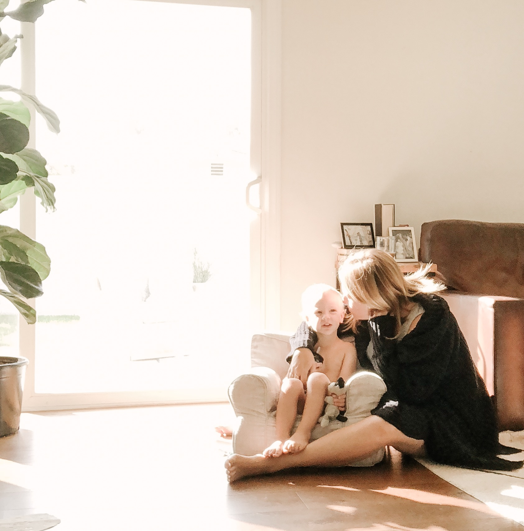 morning light kisses with mom.JPG