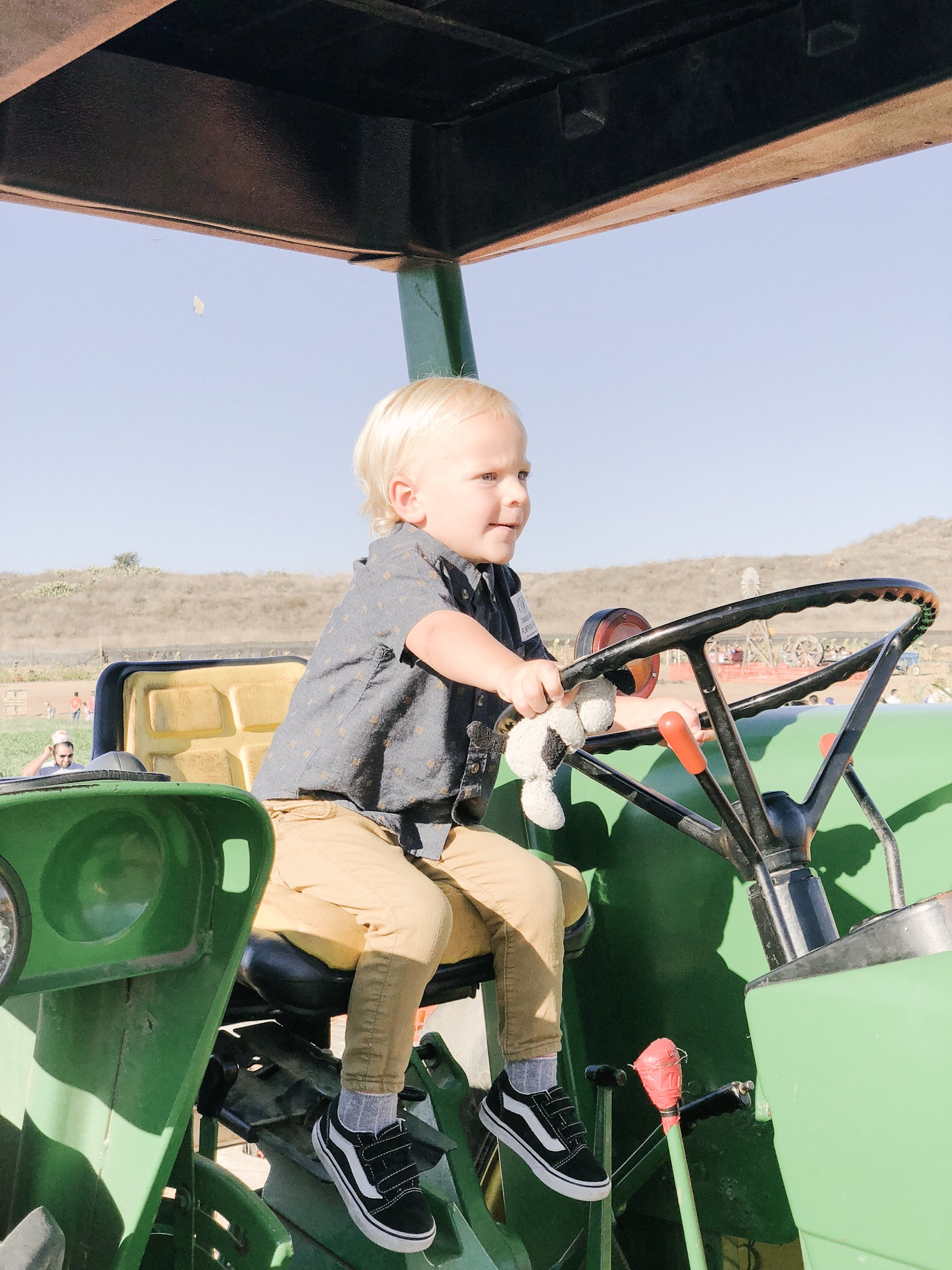 tanaka farms pumpkin patch tractor rides.JPG