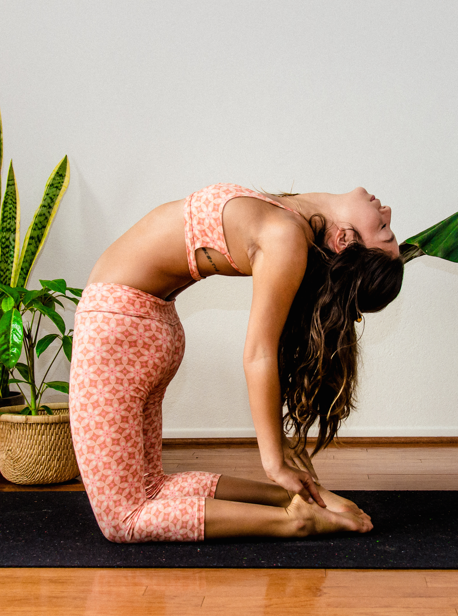 Santa Barbara Yoga Photographer Miranda Kelton Laura Goe Psychedelic Honey-37.jpg