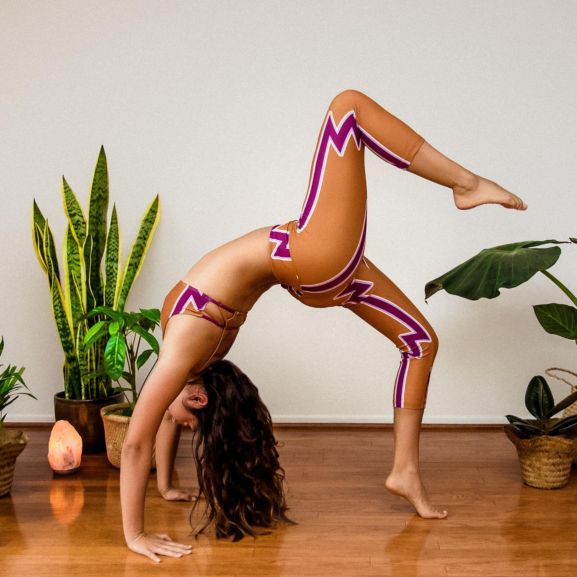 Santa Barbara Yoga Photographer Miranda Kelton Laura Goe Psychedelic Honey-84.jpg