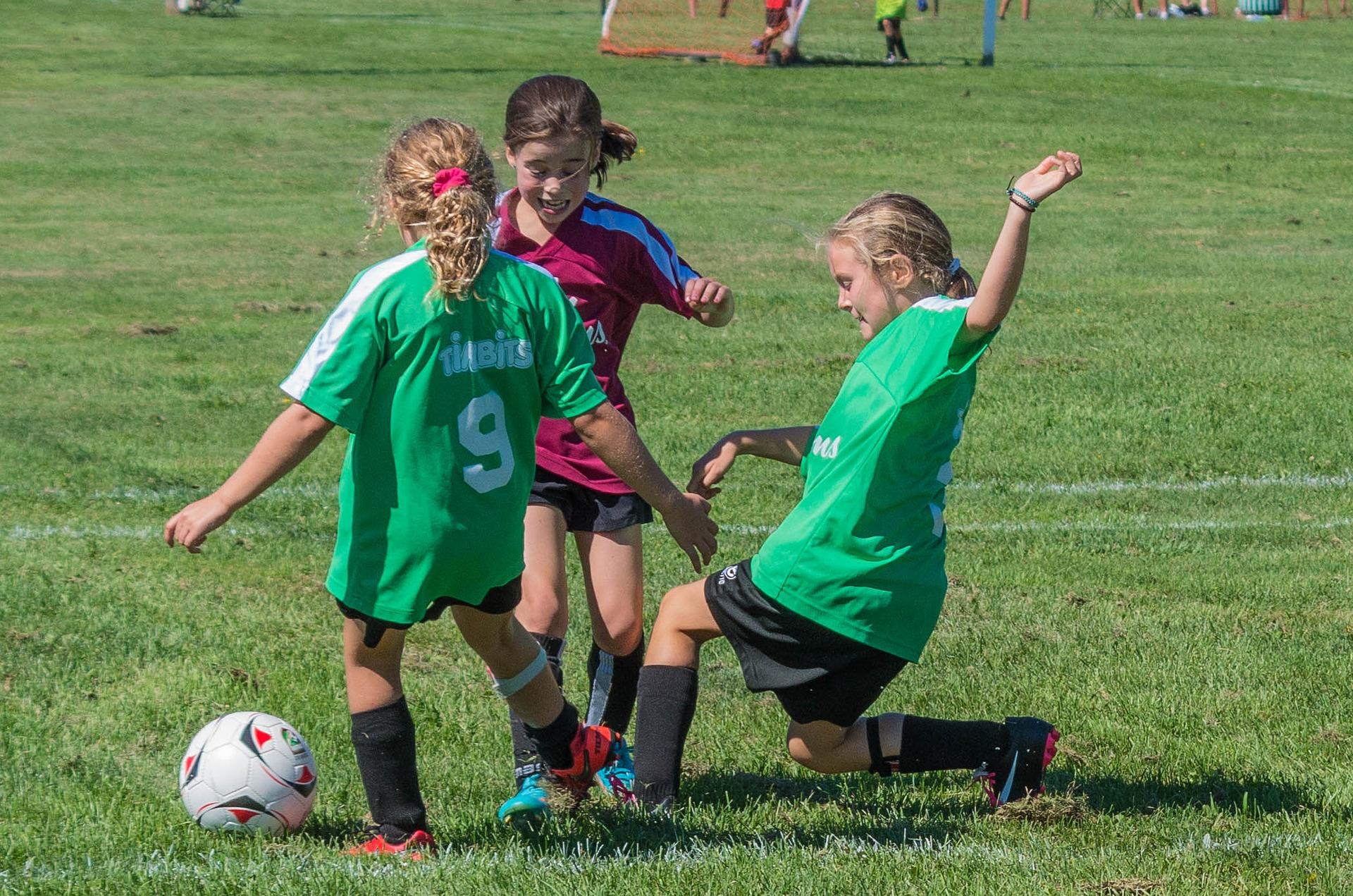 soccer-2093960_1920.jpg