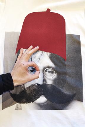 Les Benjamins t-shirt - John Lennon in flocked fez