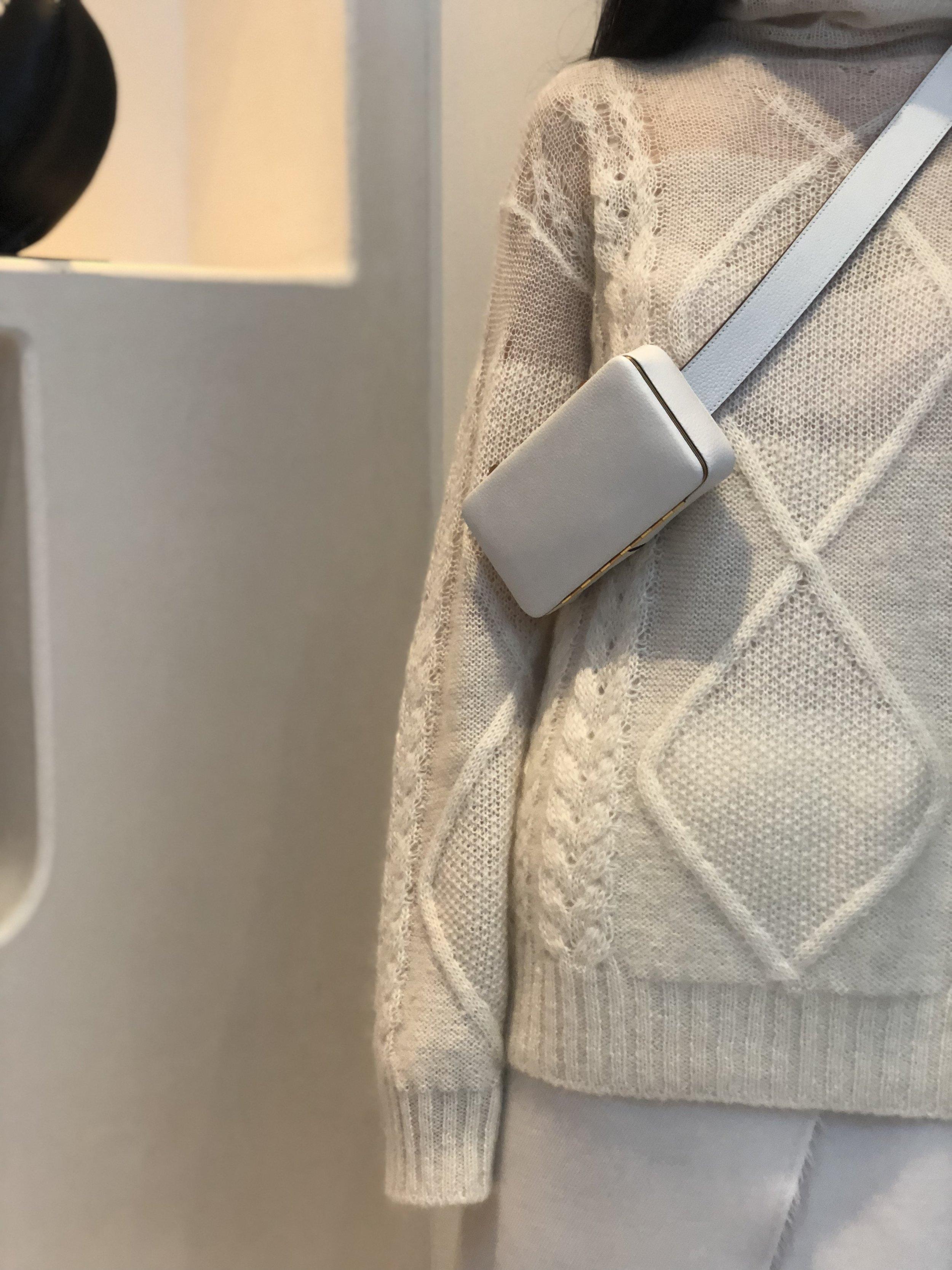 Brand spankin' new bag by Lutz Morris. Nice pick Sihan!