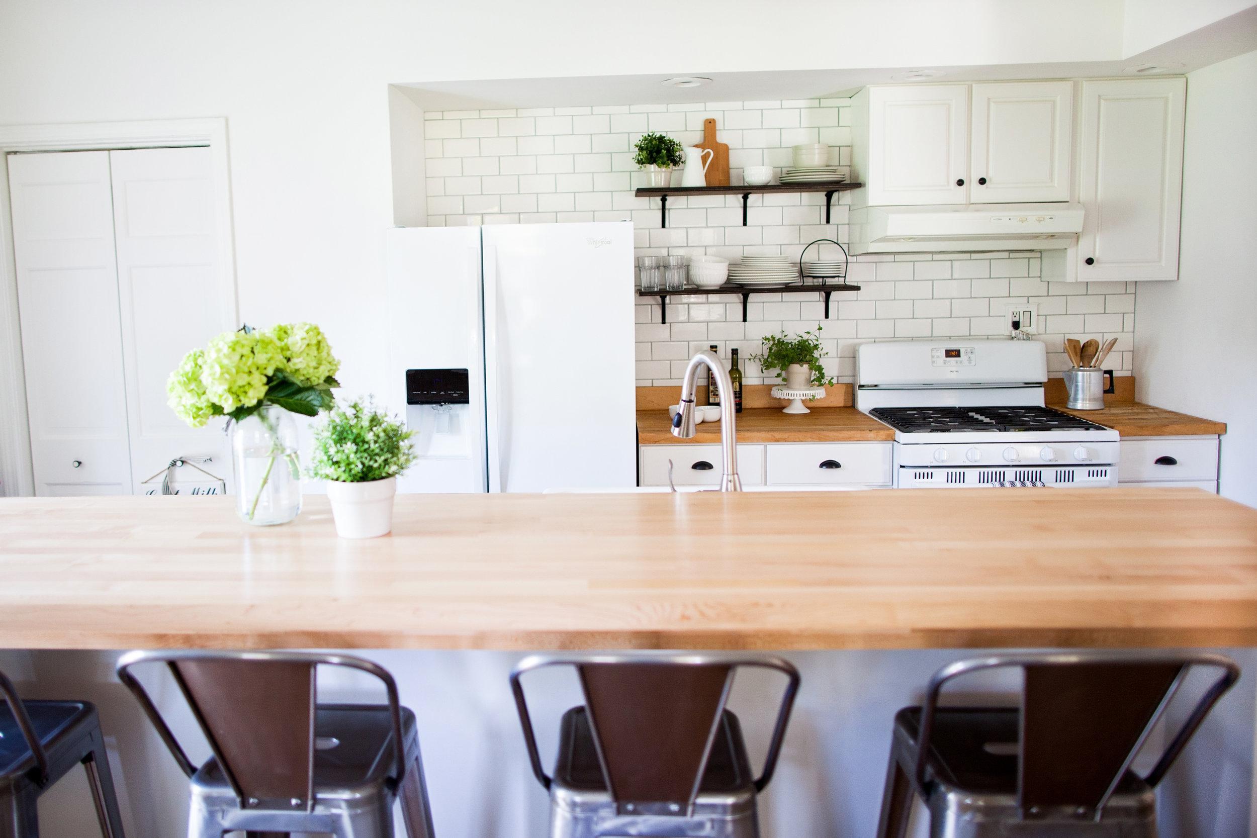 Vintage Farmhouse Kitchen- Laura Design Co.