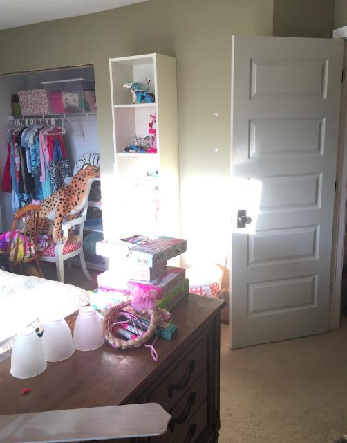Tween girls room BEFORE- Laura Design Co.