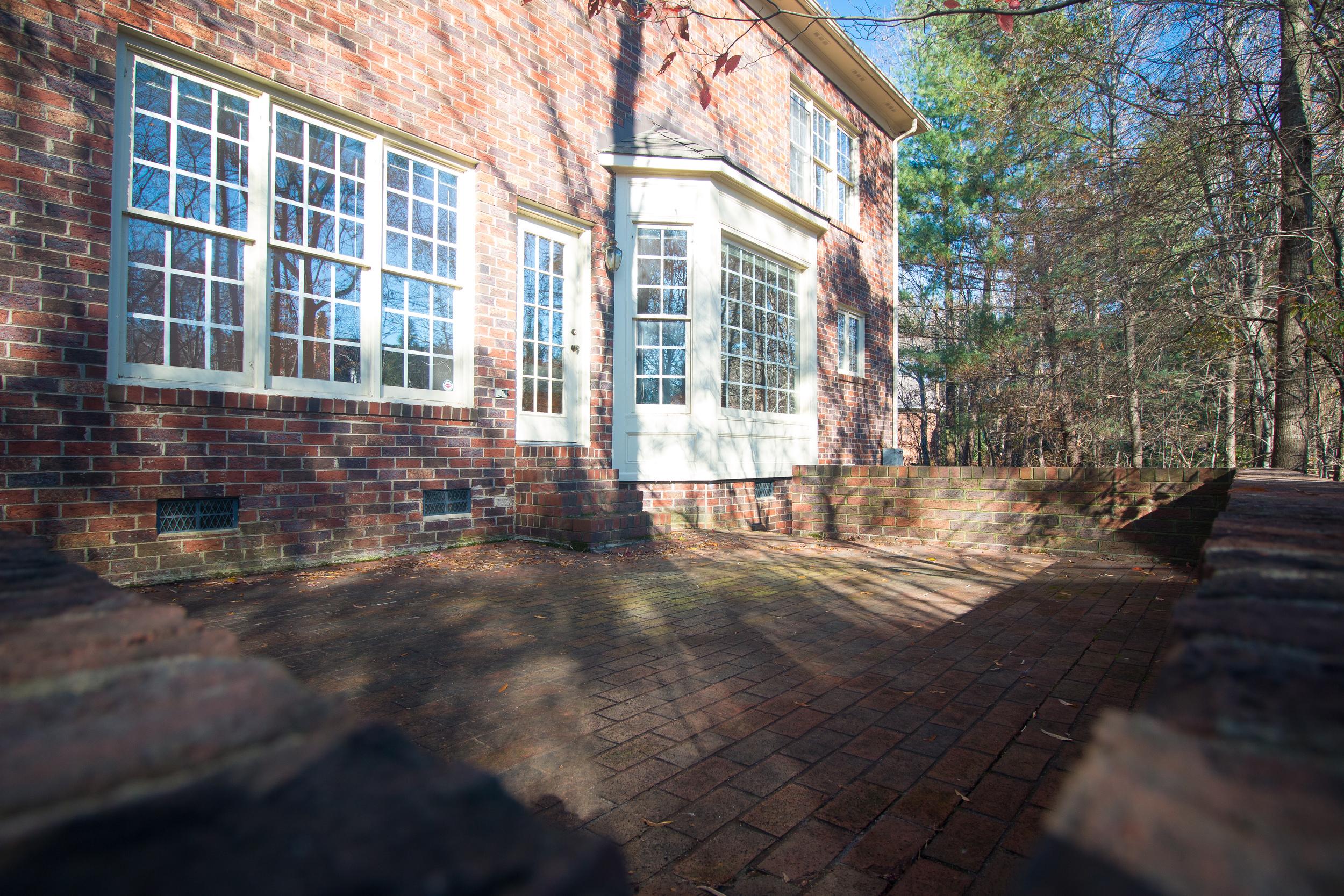Backyard porch 2.jpg