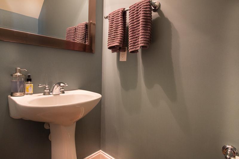 IMG_0659Downstairs_Bath_LR.jpg