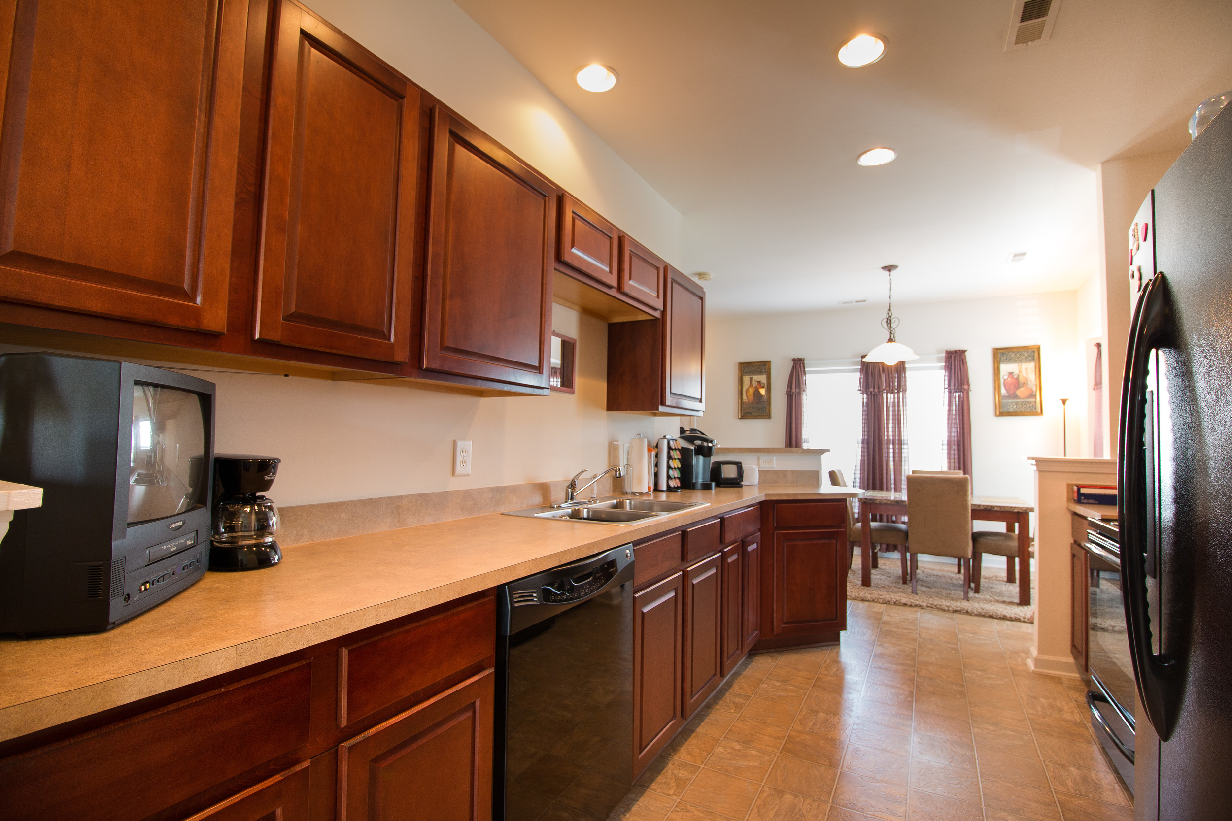 kitchen 2.jpg