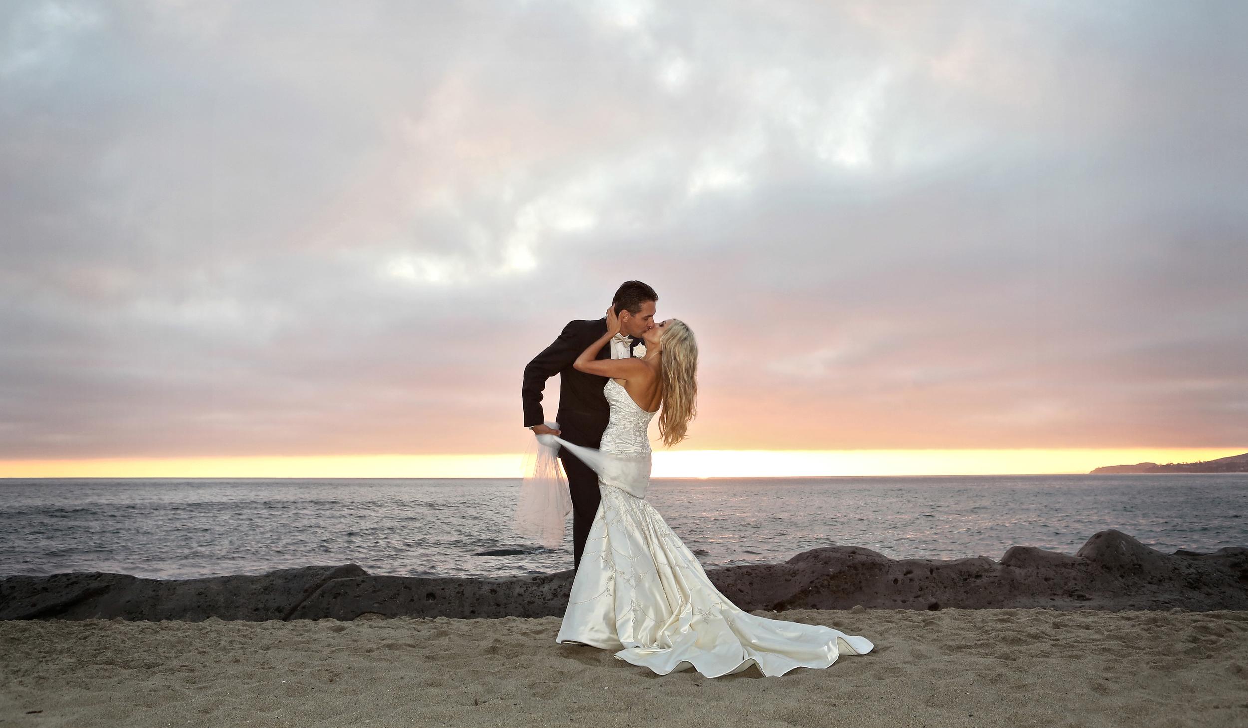 Romantic sunset kiss hdr toning crop.jpg