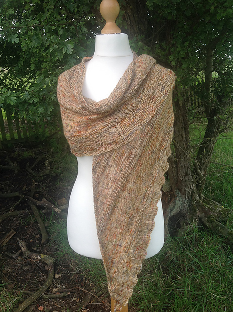 Jacobite Shawl - This pattern was designed for the Fall 2017 Outlander KAL/CAL.Requirements:875 yards of fingering weight**Please pay attention to the length of your selected yarn as different bases vary in length**As shown: Sassenach on Sustainable fingeringFor custom colors/bases click HERE