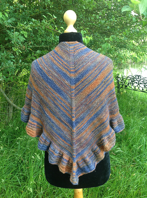The Rising - This pattern was designed for the Fall 2017 Outlander KAL/CAL.Requirements:875 yards of fingering weight**Please pay attention to the length of your selected yarn as different bases vary in length**As shown: Murtagh on Silky Baby LinenFor custom colors/bases click HERE