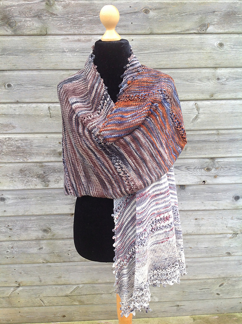 Fade Through Time Shawl - This pattern was designed for the Fall 2017 Outlander KAL/CAL.Requirements:1476 yards of DK weight**Please pay attention to the length of your selected yarn as different bases vary in length**As shown: Men Of Outlander Kit on Silky DKFor custom colors/bases click HERE