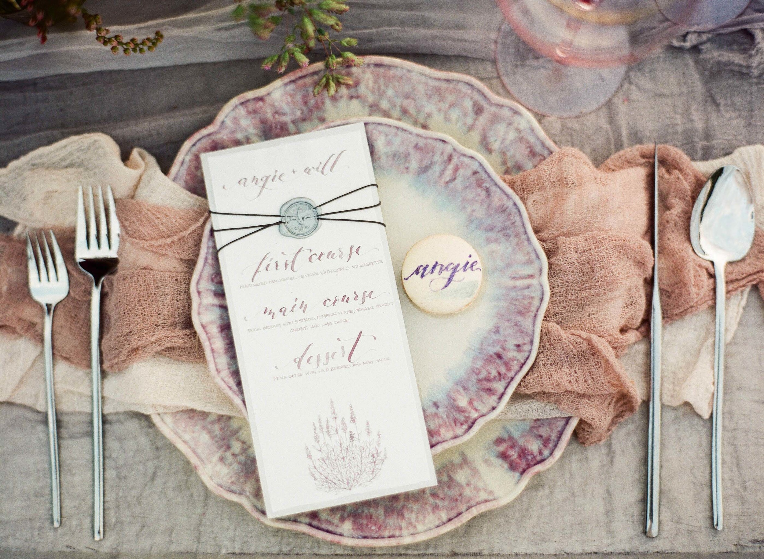 Here's a lovely table set up from my very first Style Me Pretty feature with some of the amazingly talented ladies! Photography by  Jennifer Kulakowski .