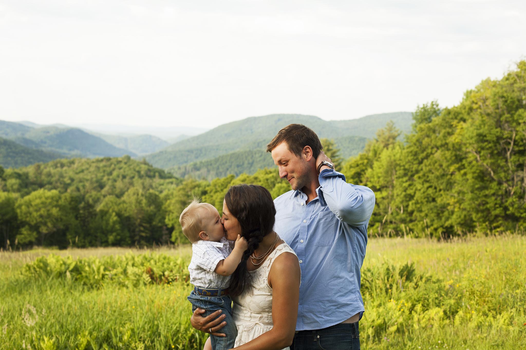 mountain field family portraits vermont web.jpg