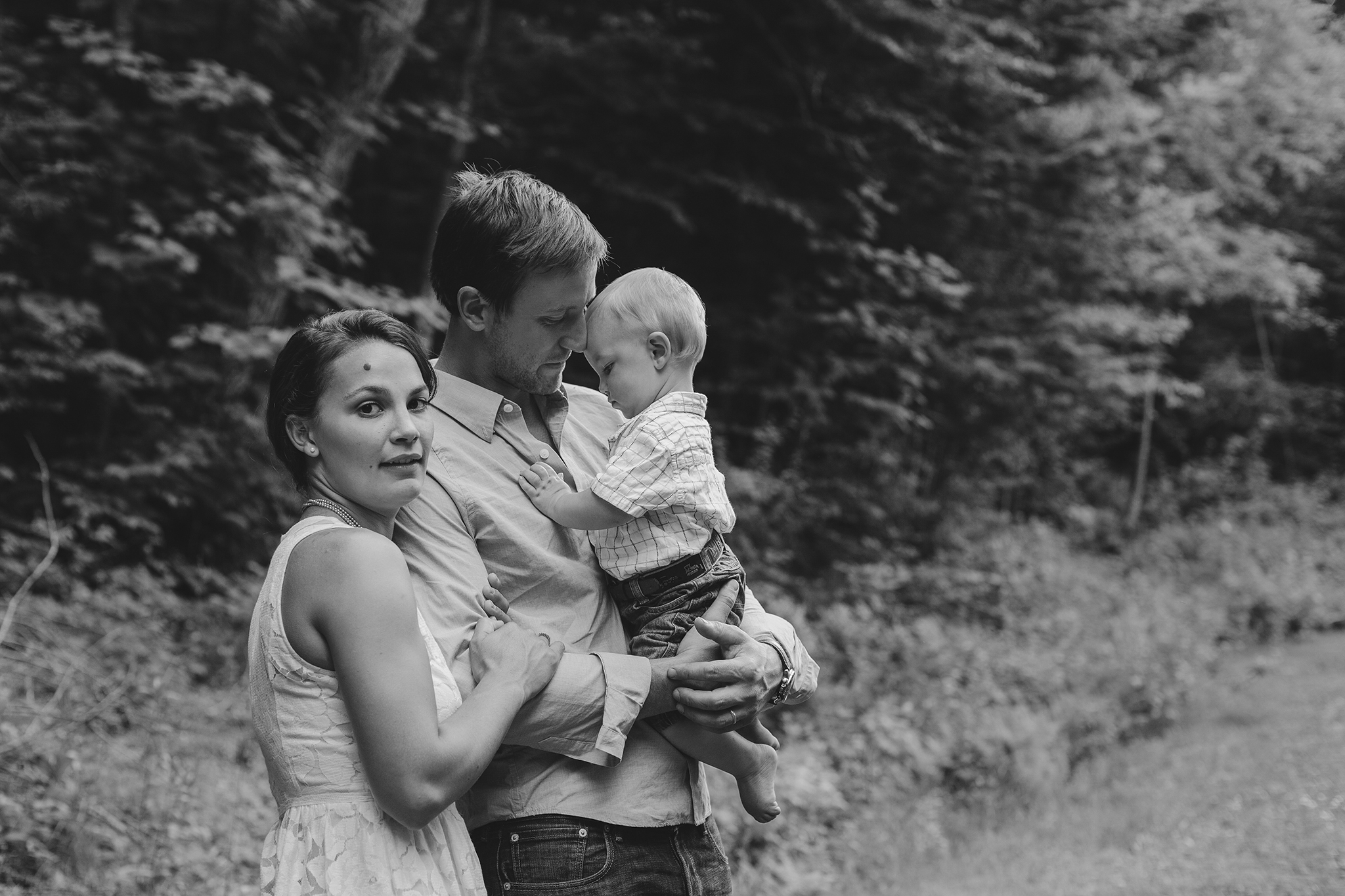 vermont family portraits young couple web.jpg