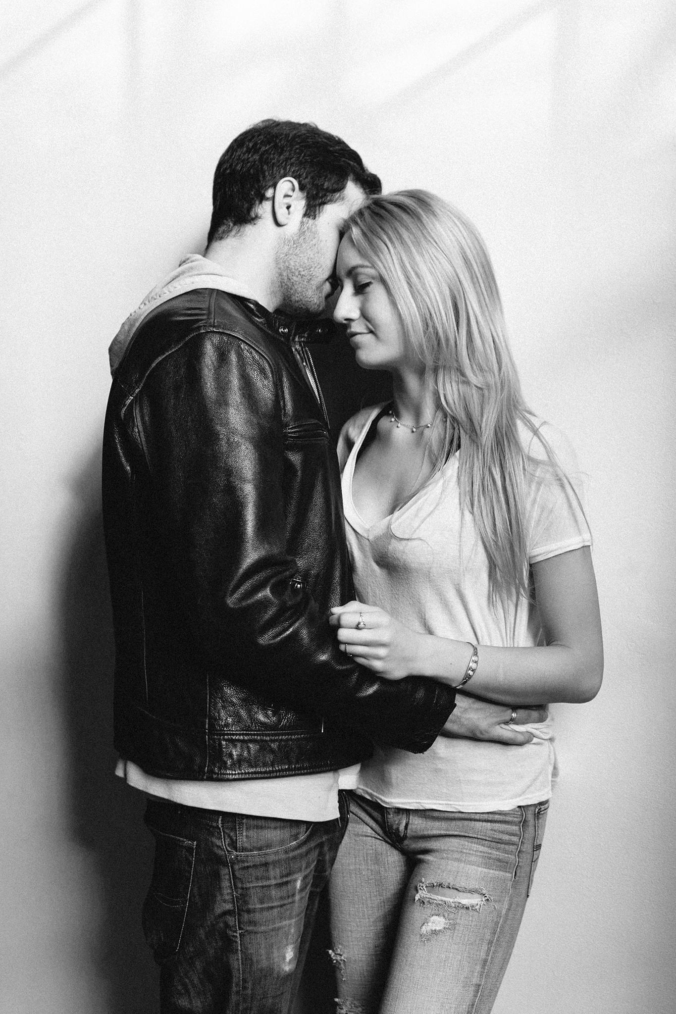 intimate-attractive-couple-portraits-denver-colorado-17.jpg