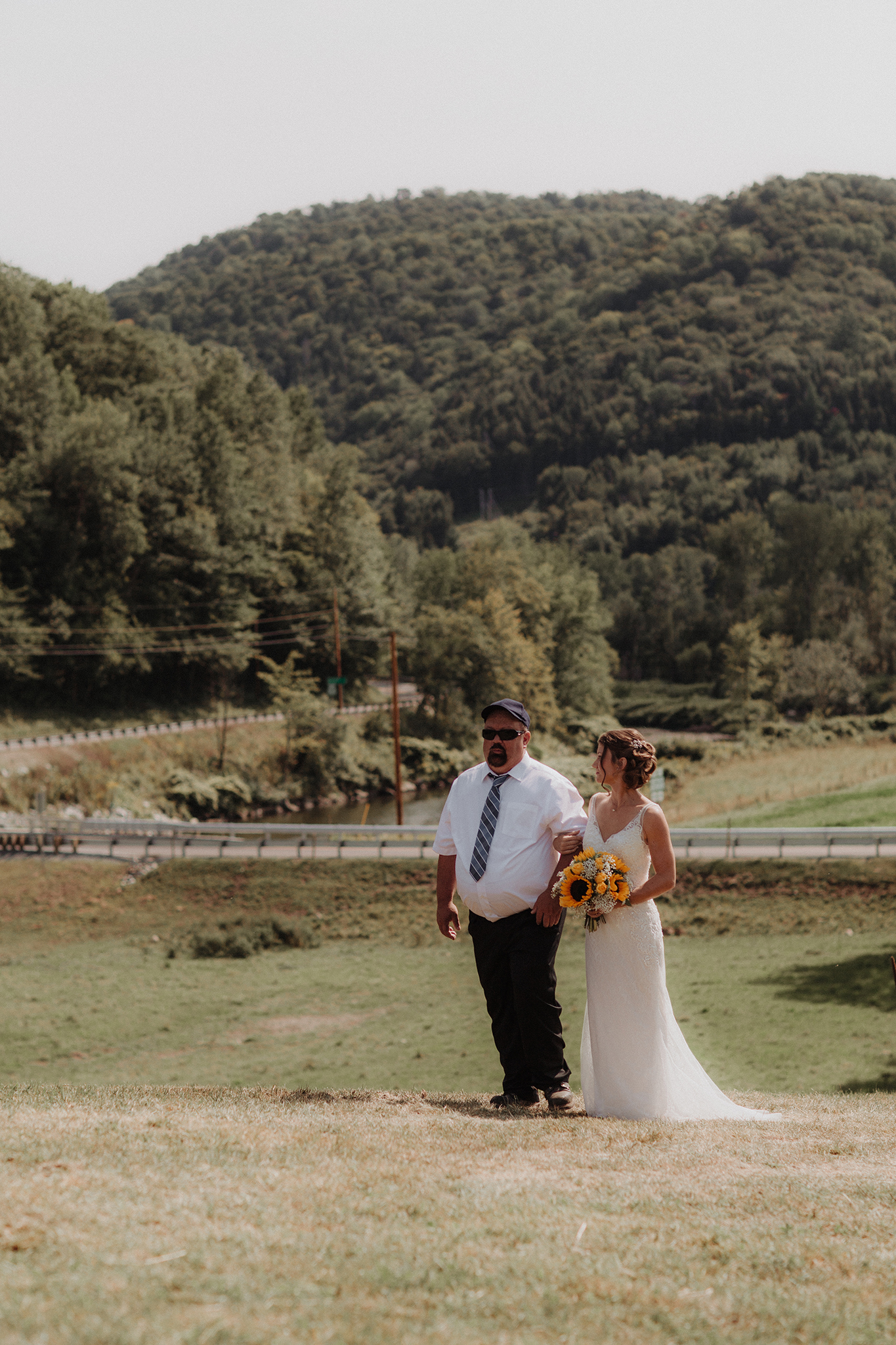 vermont-wedding-photographer-outdoor-farm-wedding-4.jpg