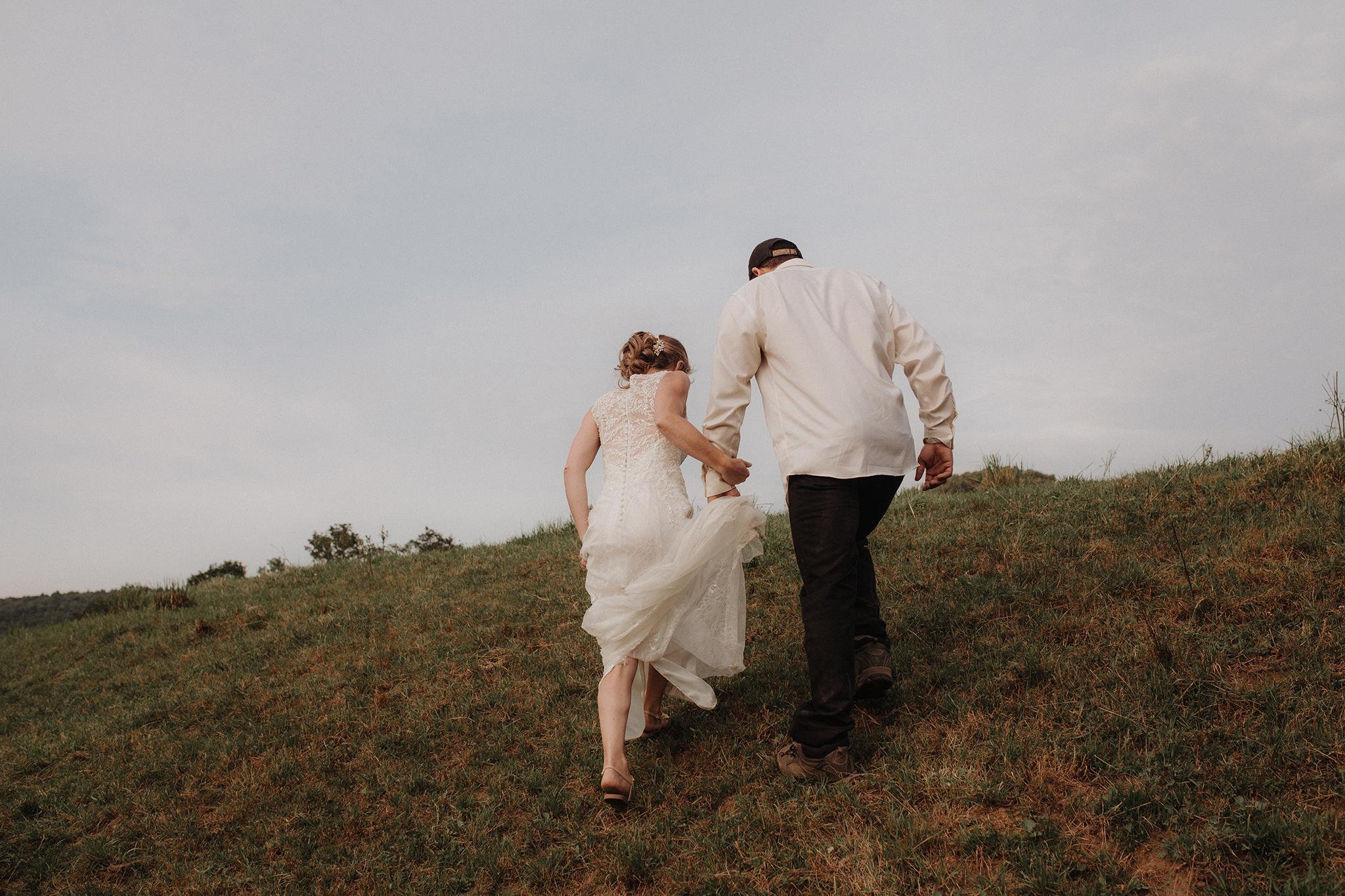 vermont-wedding-photographer-outdoor-farm-wedding-60.jpg