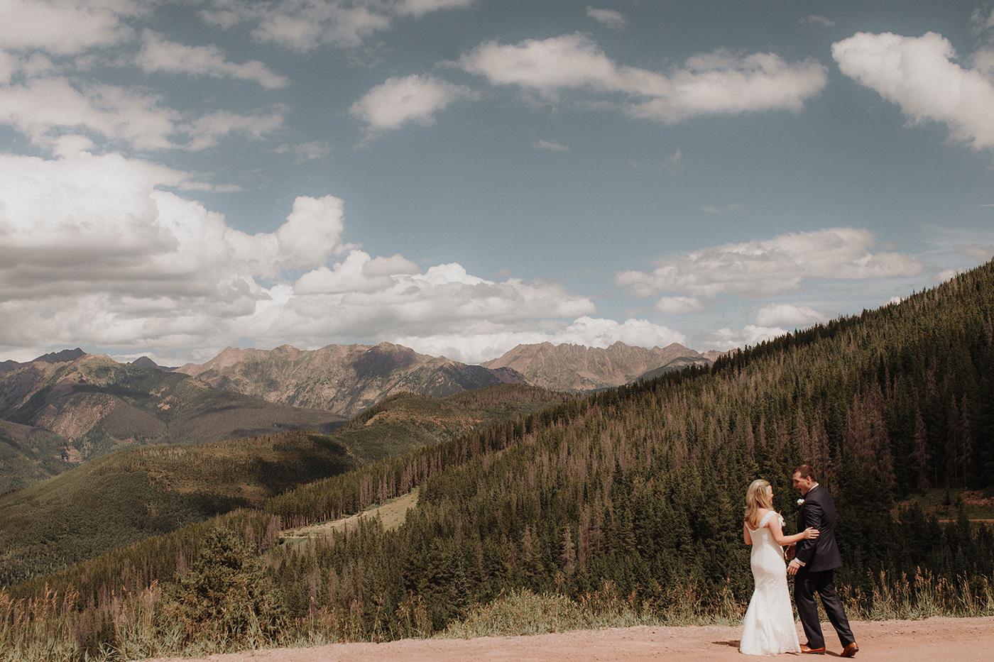 vail-colorado-wedding-photographer-mountain-top-first-look-1.jpg