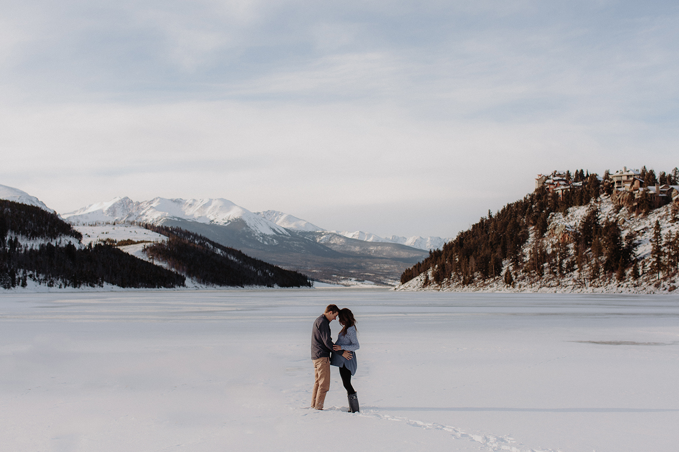 lake-dillon-colorado-engagement-session-1.jpg