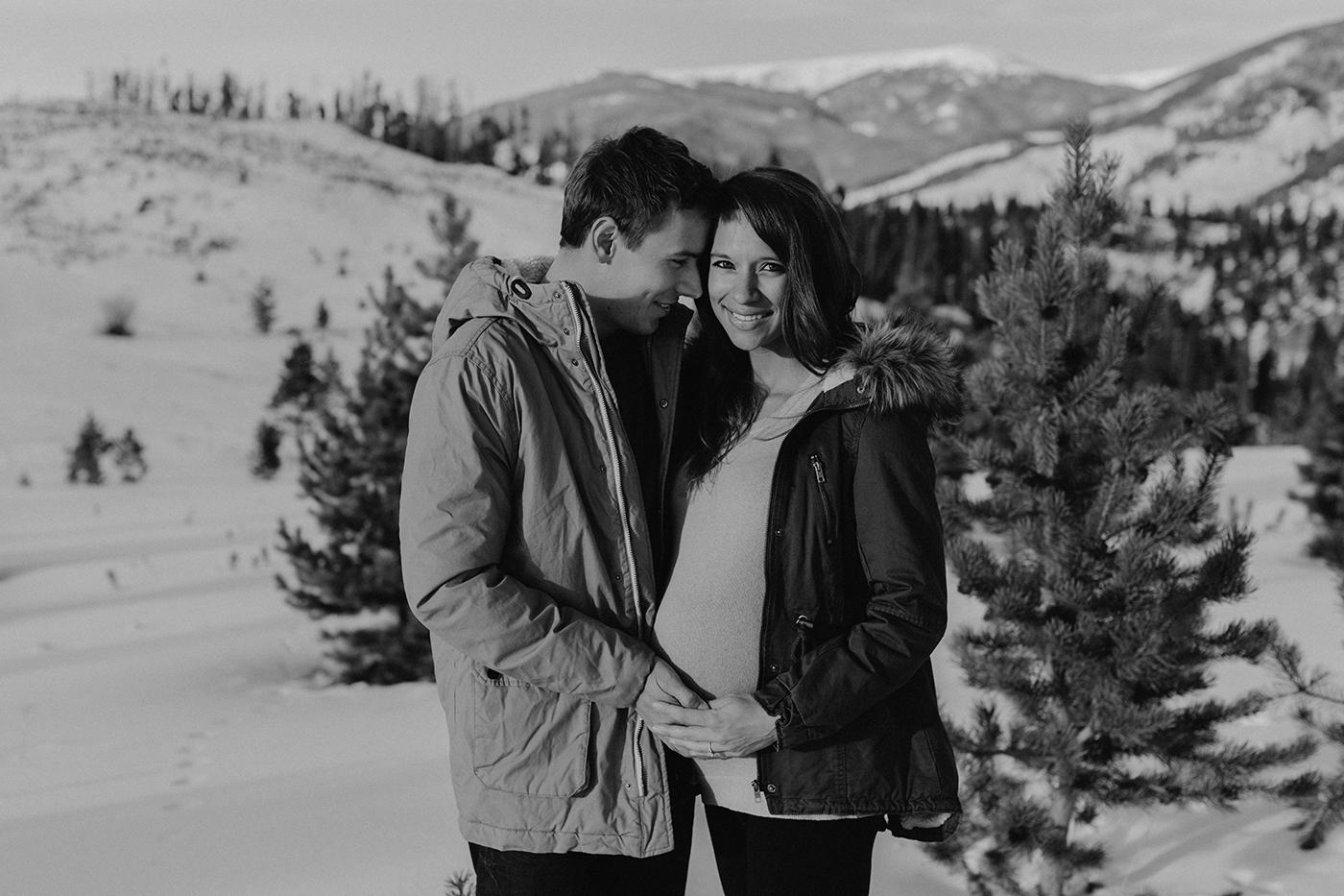lake-dillon-colorado-couple-maternity-photos-8.jpg