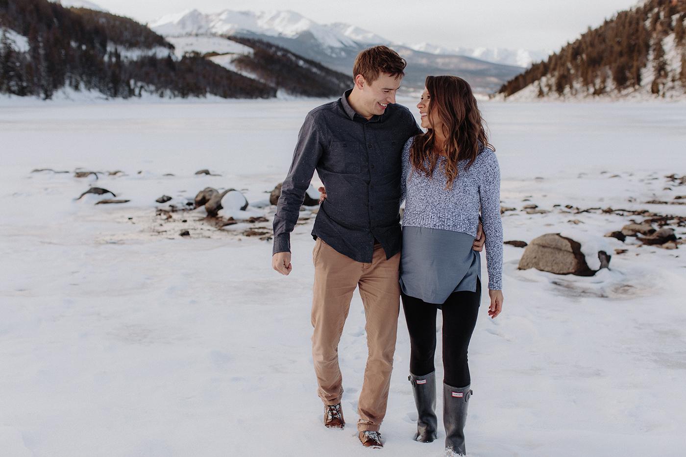 lake-dillon-colorado-couple-maternity-photos-11.jpg
