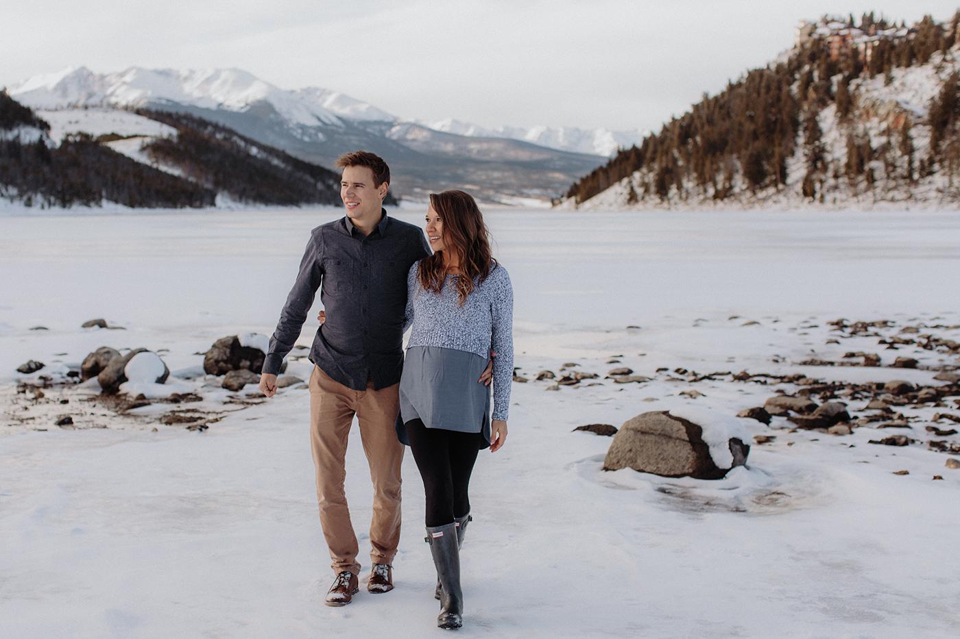 lake-dillon-colorado-couple-maternity-photos-12.jpg