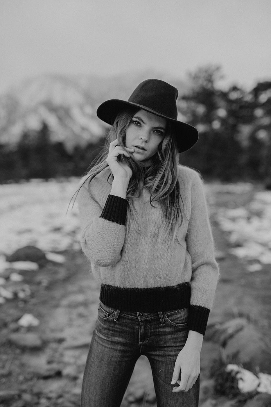boulder-colorado-winter-snowy-trail-portrait-photographer-00002.jpg