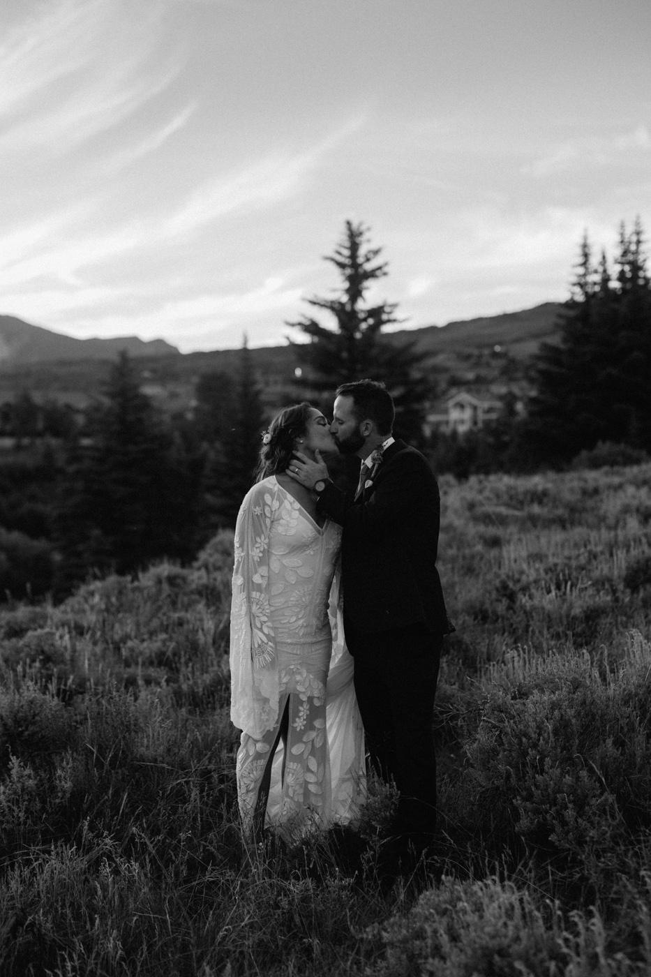 woods-walk-trail-crested-butte-colorado-wedding-134.jpg