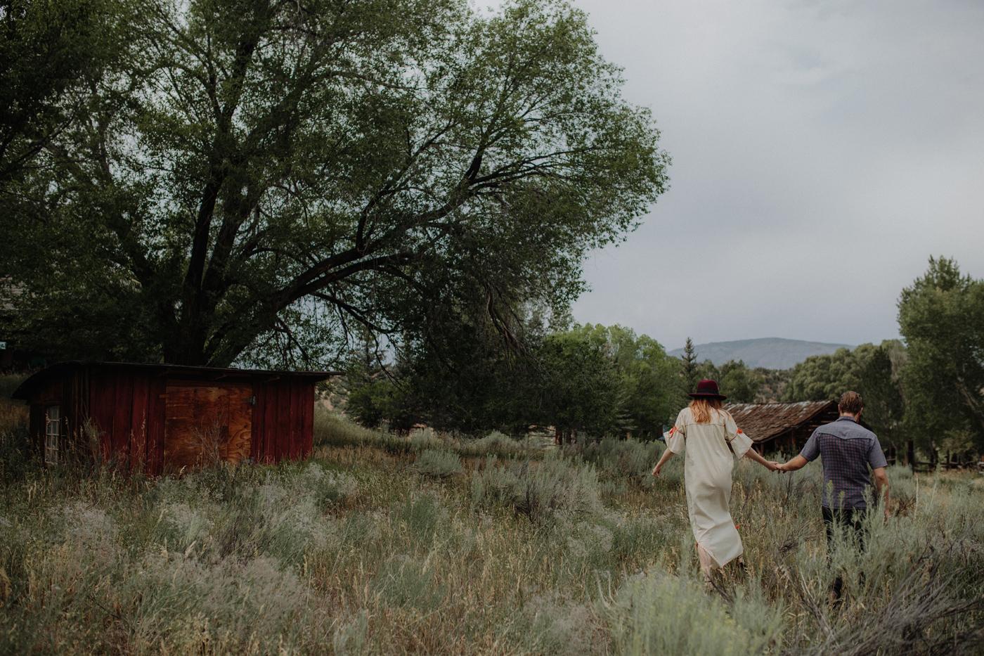 006-jones-max-colorado-ranch-engagement-photos.jpg