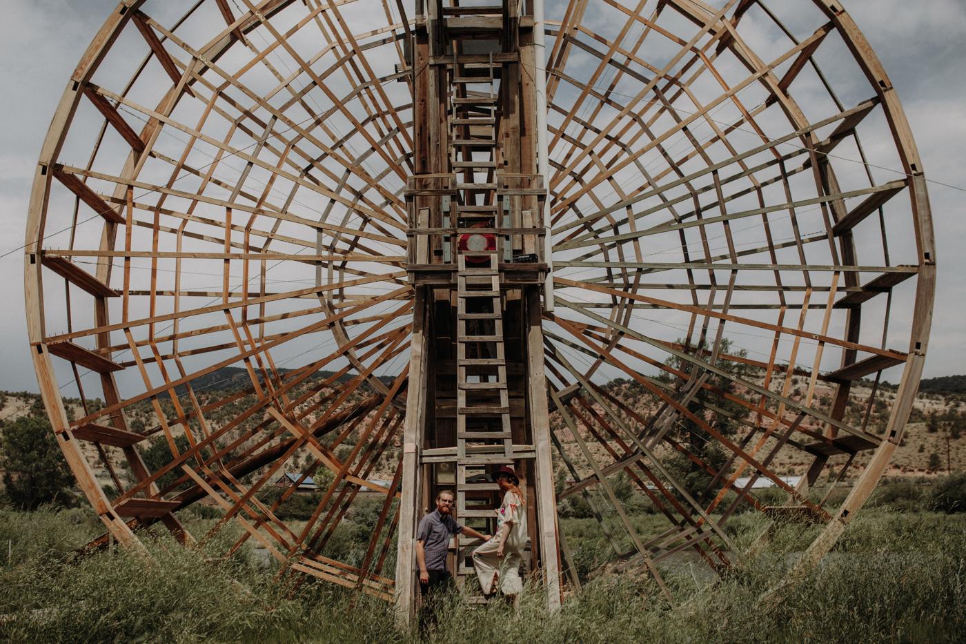 011-jones-max-colorado-ranch-engagement-photos.jpg