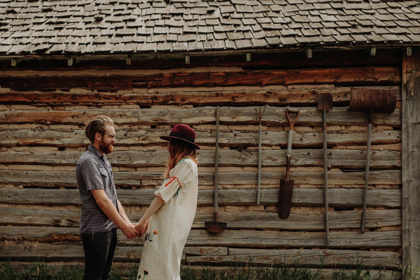 016-jones-max-colorado-ranch-engagement-photos.jpg