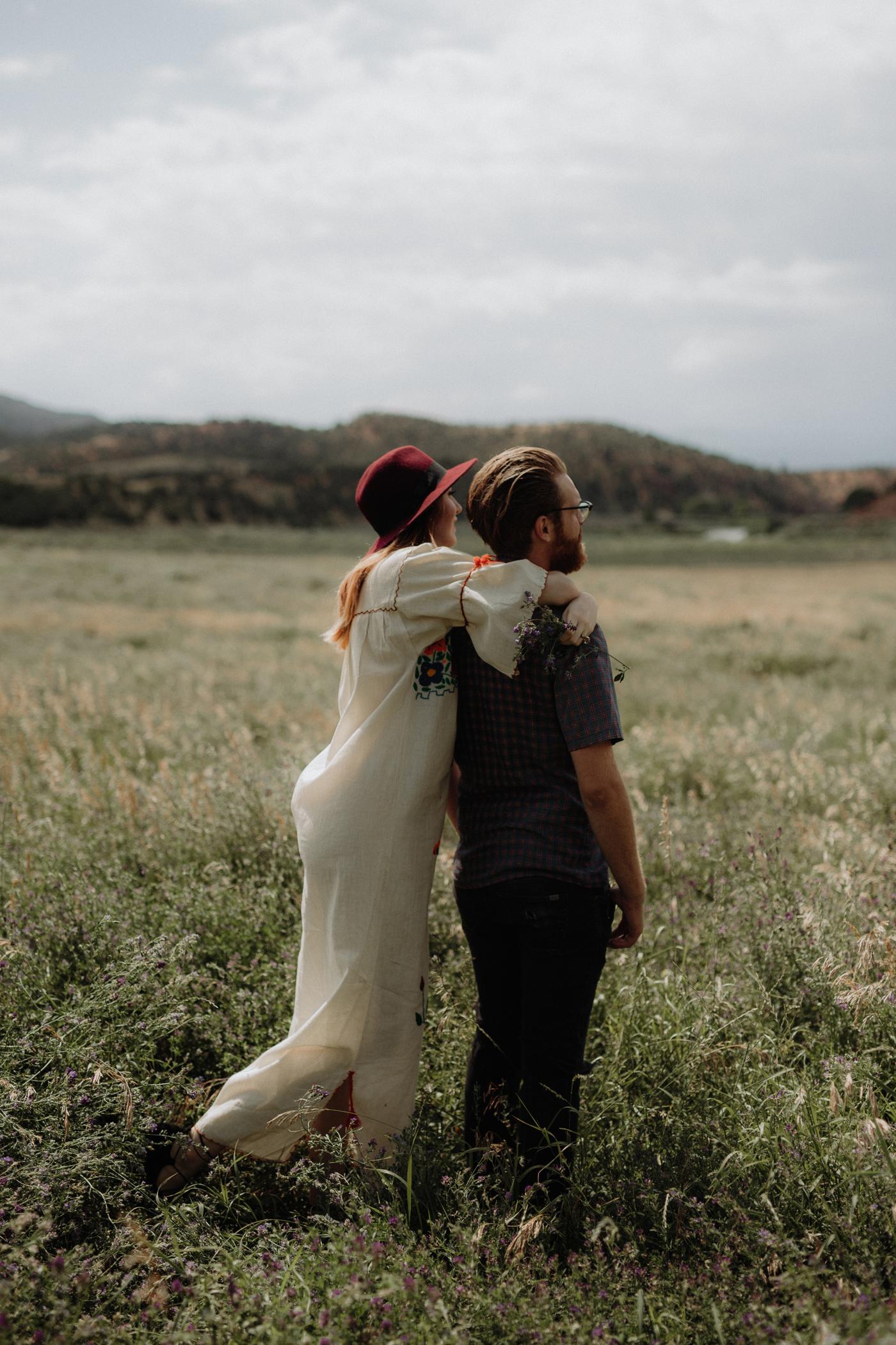 028-jones-max-colorado-ranch-engagement-photos.jpg