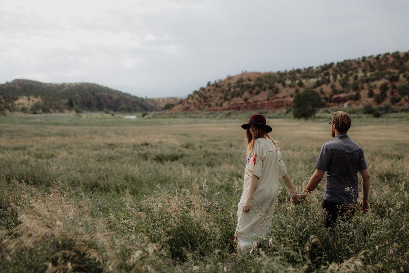 030-jones-max-colorado-ranch-engagement-photos.jpg