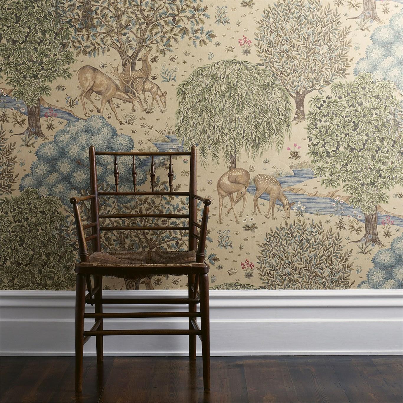 Digital printed wallpaper, inspired on a tapestry Morris designed.