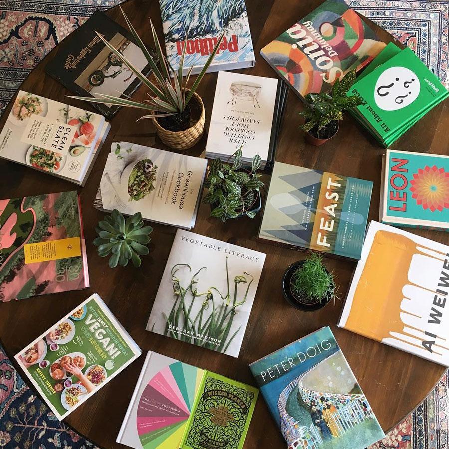 Photo:  Queen Books