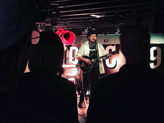 || songs and smiles with @bendickeymusic at @dc9club last night || . . . . #bendickeymusic #lukemitchem #dc9 #livemusic #concert #photography #light #dark #blazefoley #hailtothepioneers #washingtondc #latergram #lastnight #shadows #song #songwriter #writer #actor #folk #rock