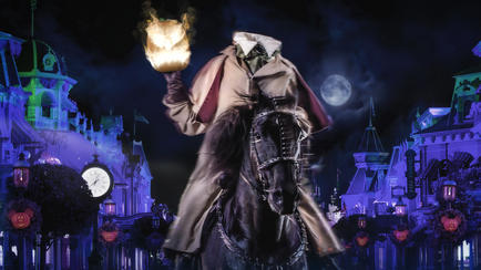 Headless Horseman Leads the Boo To You Parade