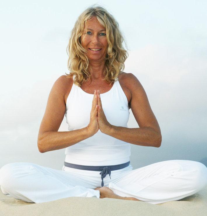 Yin yoga Mona Abter.jpg