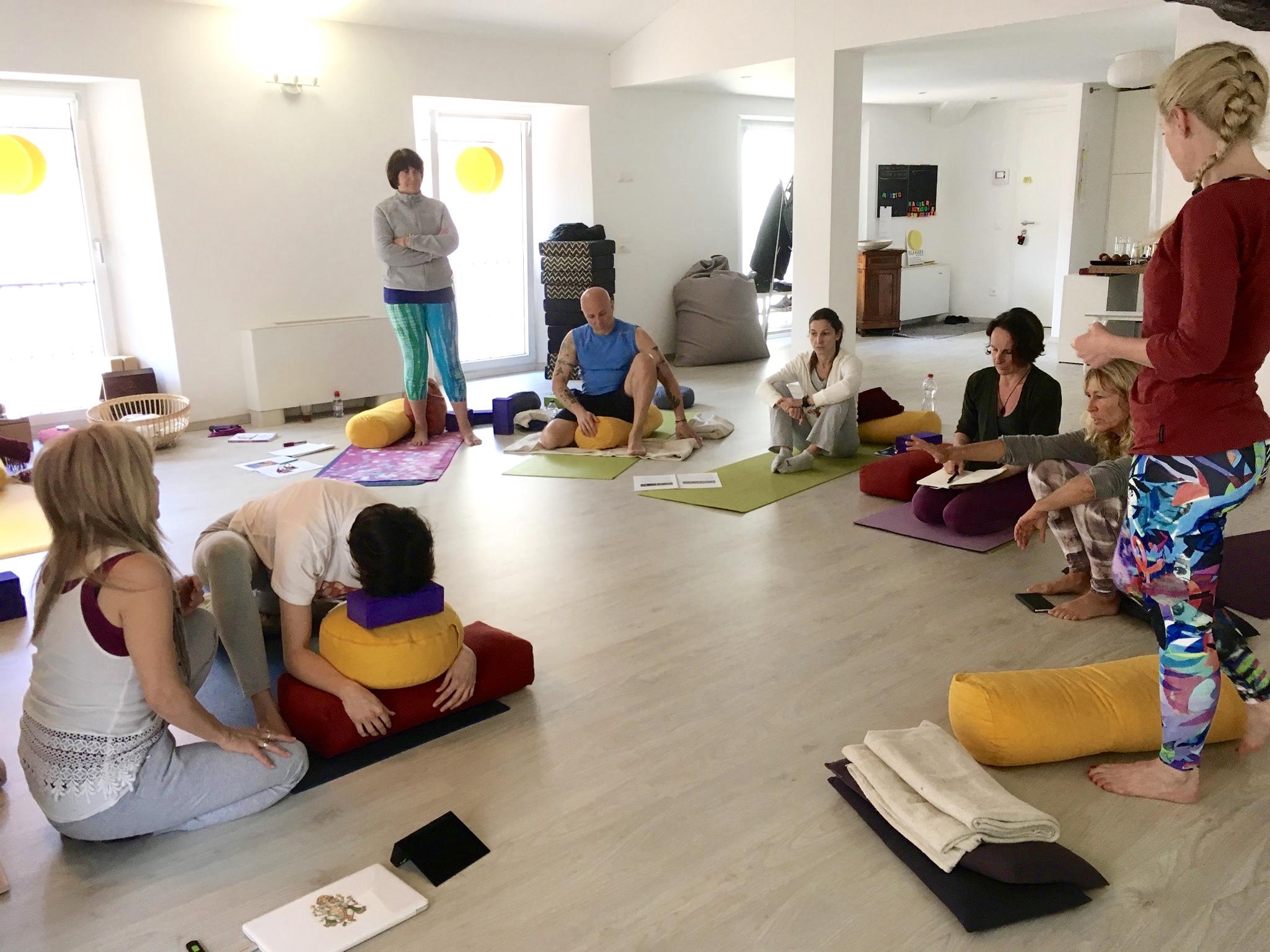 yin yoga-yogaashokamendrisio