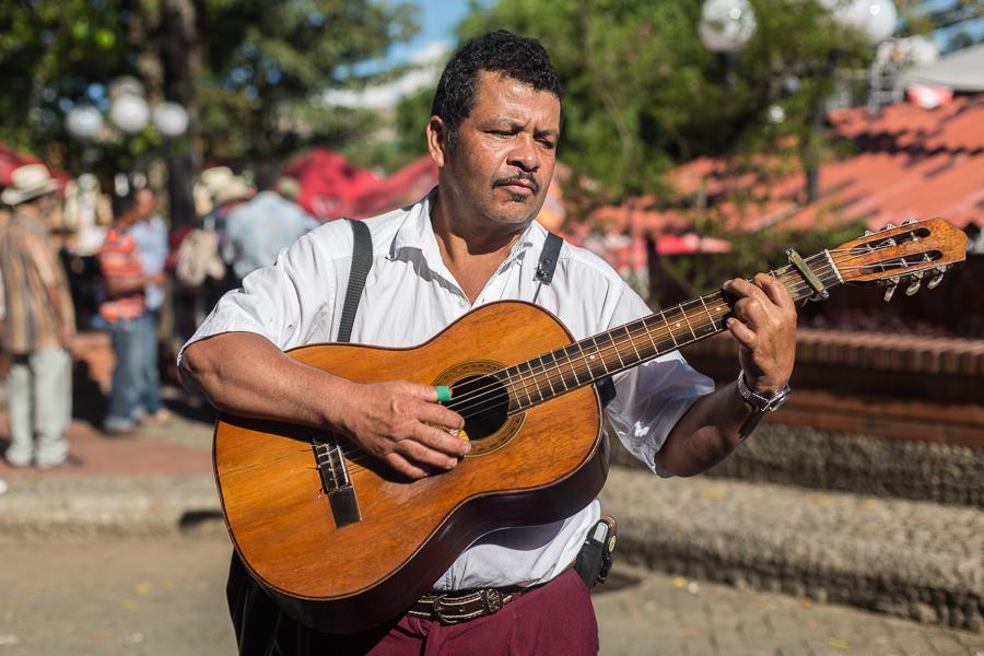 bobozeman-guitarist.jpg