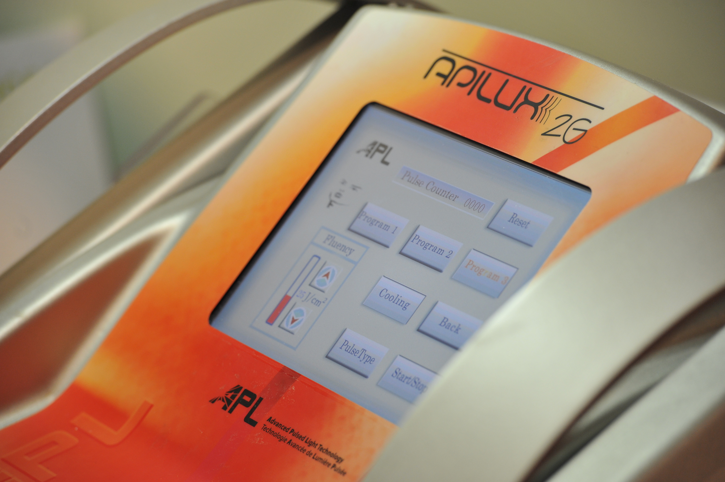 Apilux 2G: Η αποτρίχωση εύκολα, γρήγορα και ανώδυνα!
