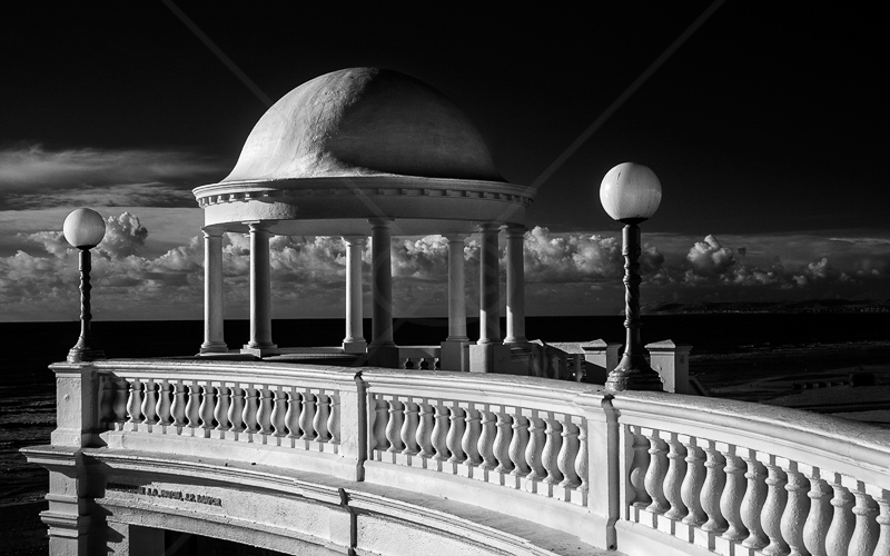 Colonnade by Norman O'Neill - C (adv mono)