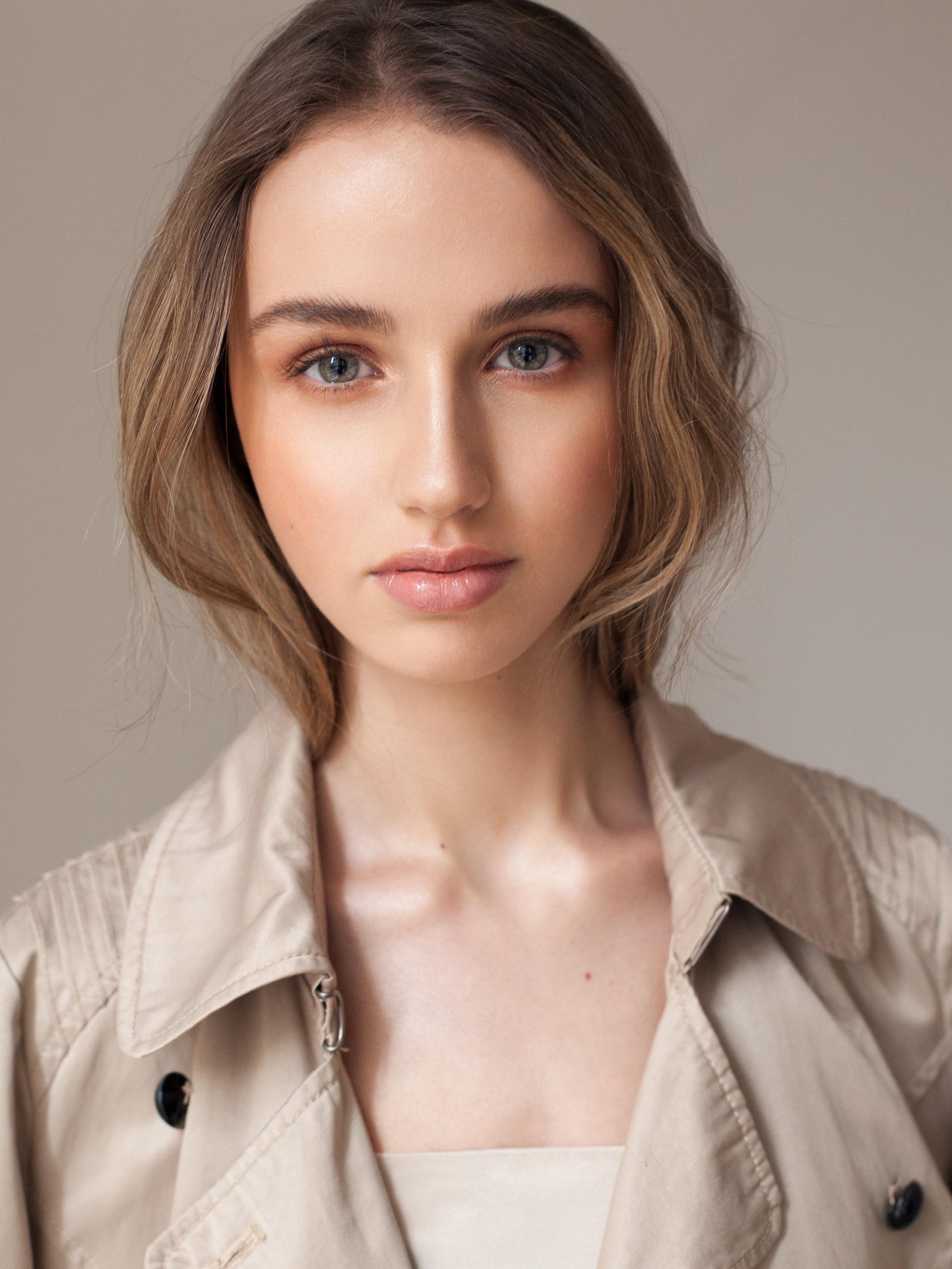 dayna  @ richards models