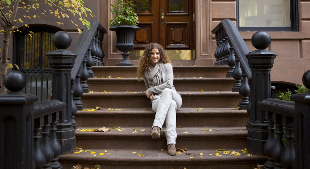 Picture on Stoop_7554.jpg