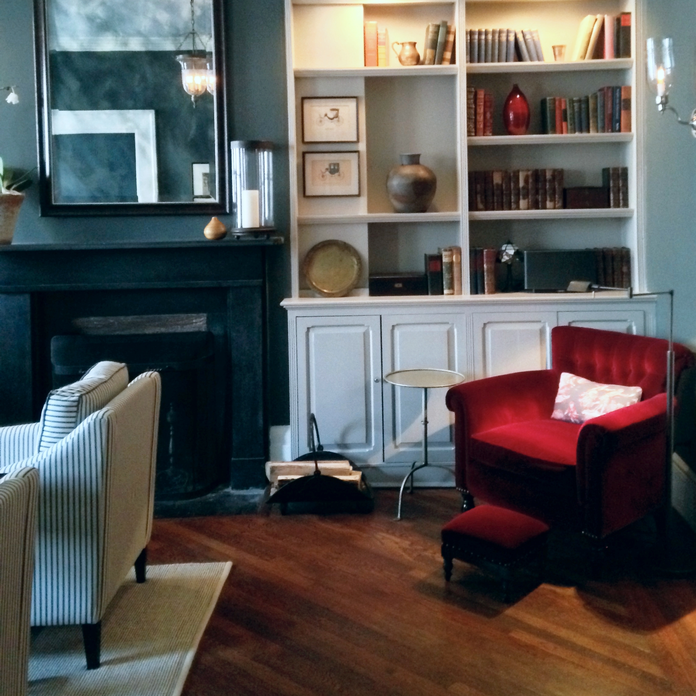 Waverly Place Apartment -