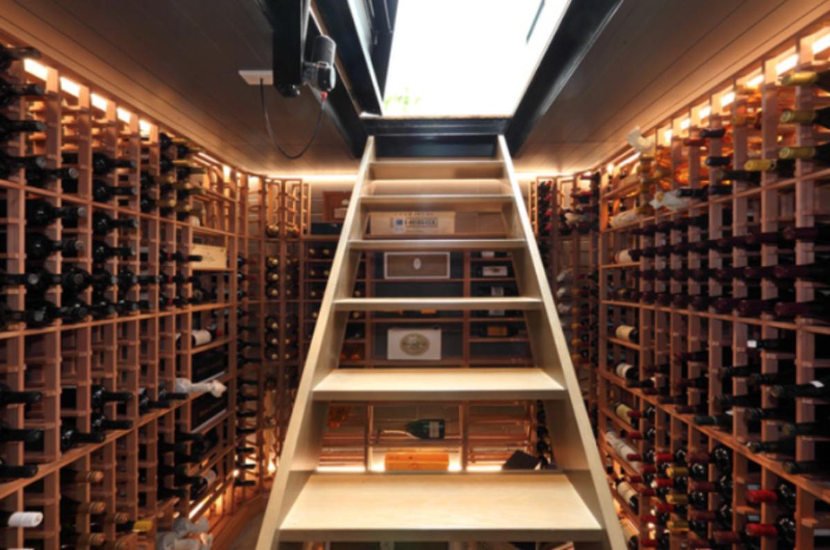 home-wine-cellar-interior-design-2.png